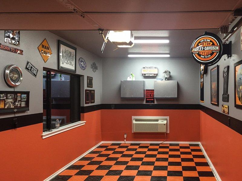 Garage After Racedeck Flooring