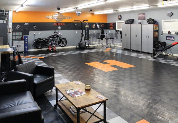 harley-themed-garage